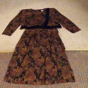 Jessica Howard Blouse And Skirt